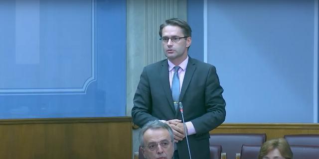 Rudović zatražio da predstavnik Vlade i direktor UP objasne postupanje policije